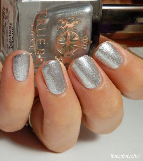 This luxurious formula applies exquisitely on the nail, evenly distributing pigments to give a mirror like foil effect. Silver Service was inspired by Grandmother's finest Silverware, only ever used on the grandest of occasions. True Brit London Recommends: To achieve a flawless foil finish, apply our Caviar Base Coat to give the nail bed a smooth base, followed by two coats of Knightsbridge, finished with a final layer of Top Coat.